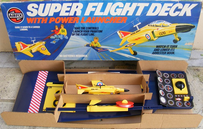 Airfix-Super-Flight-Deck-Game-1975_700_600_4GS2Y