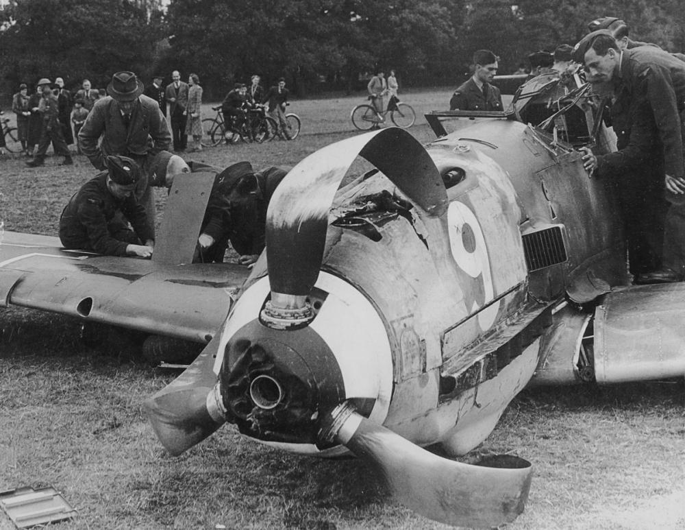 Bf 109 1940_355mm wide 4321cJackGillesM